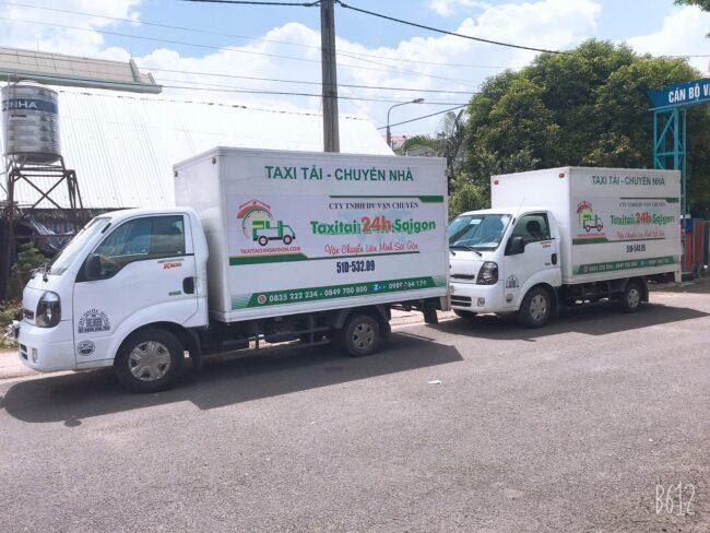 Xe tải chở đồ đạc