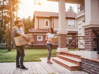 Xem ngày chuyển nhà cho cả gia đình thì sẽ dựa vào tuổi của nam giới